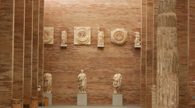 Visita al Museo, su arquitectura
